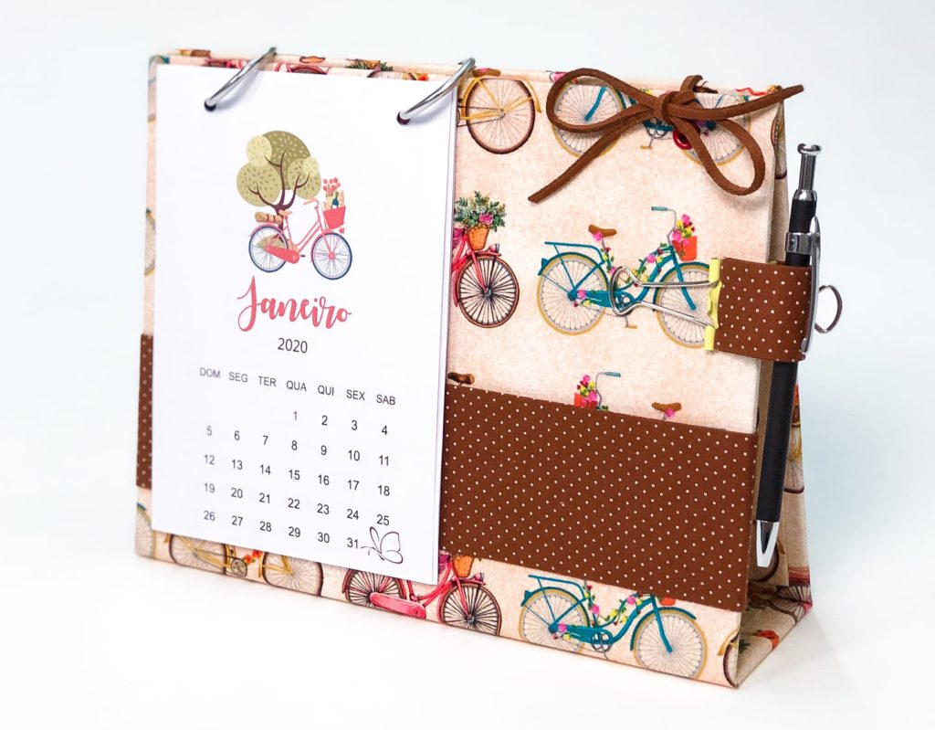 Calendario de Mesa em Cartonagem